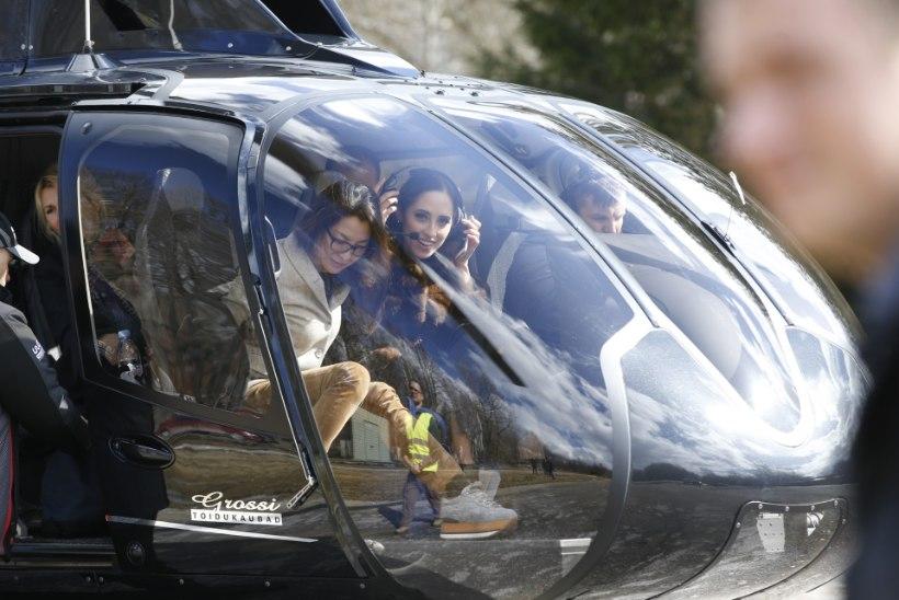 FOTOD   STAAR MISSUGUNE! Elina Nechayeva saabus mootorispordi muuseumi avamisele helikopteriga!