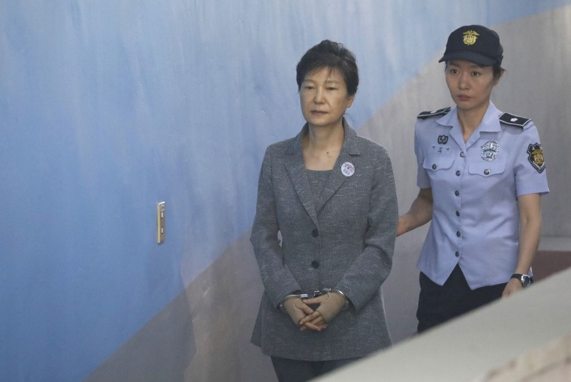 Lõuna-Korea ekspresident Park Geun-hye mõisteti kohtus süüdi