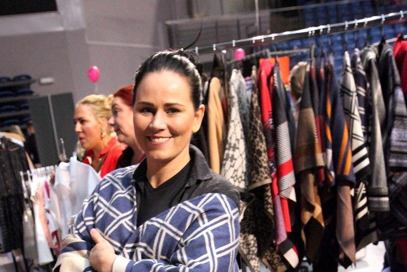PILDIGALERII | Staarid müüsid oma uhkeid kostüüme ja aksessuaare Buduaari turul