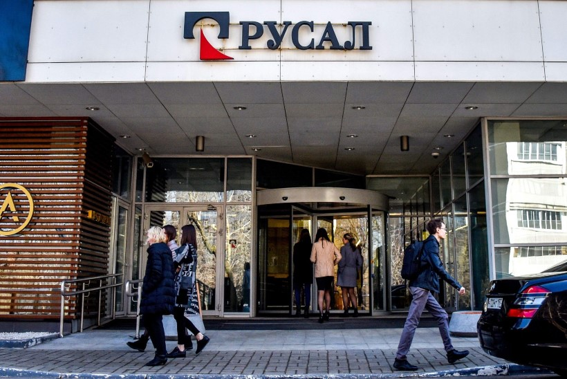 Vene rubla ja aktsiad kukuvad kivina