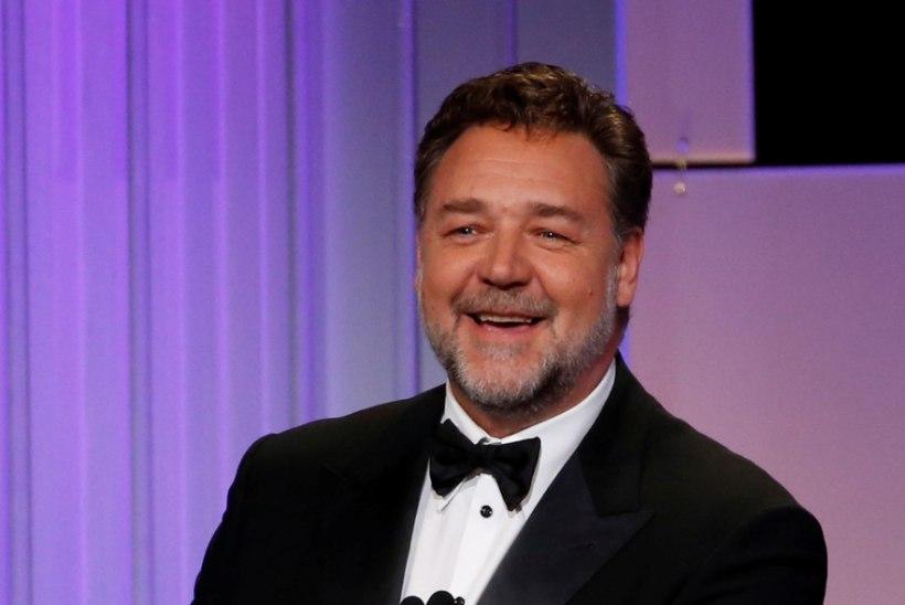 Russell Crowe teenis lahutusoksjoniga üüratu summa