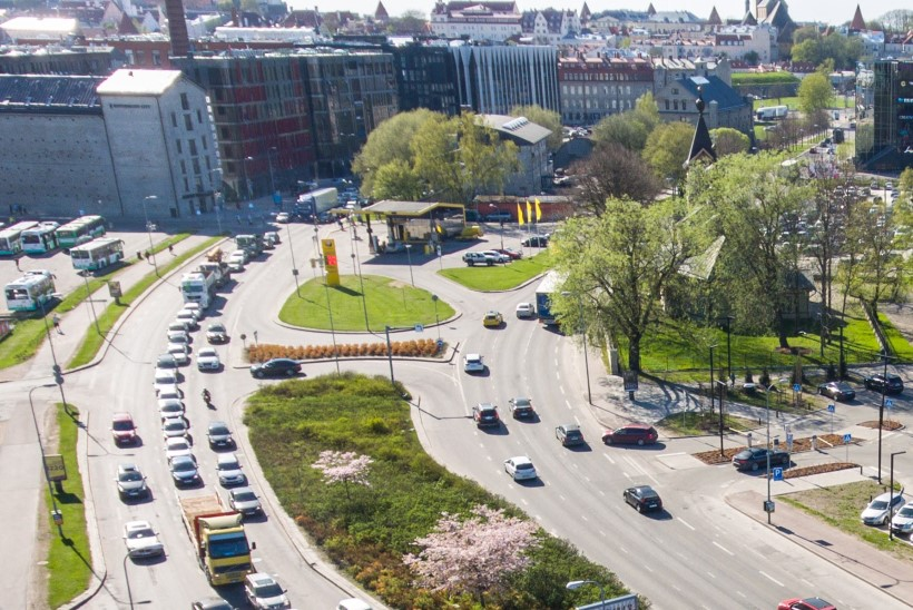 TULE TAEVAS APPI: Tallinn läheb autodest lõhki! Ummikud lämmatavad linna!