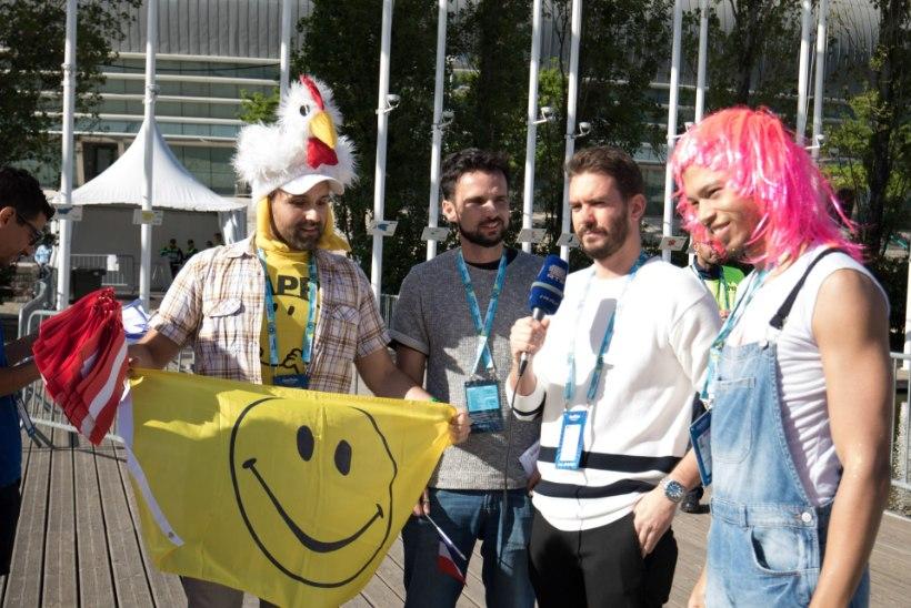 GALERII | Lipud, näomaalingud ja värvilised parukad - vaata, kes on tulnud kaema Eurovisioni finaali