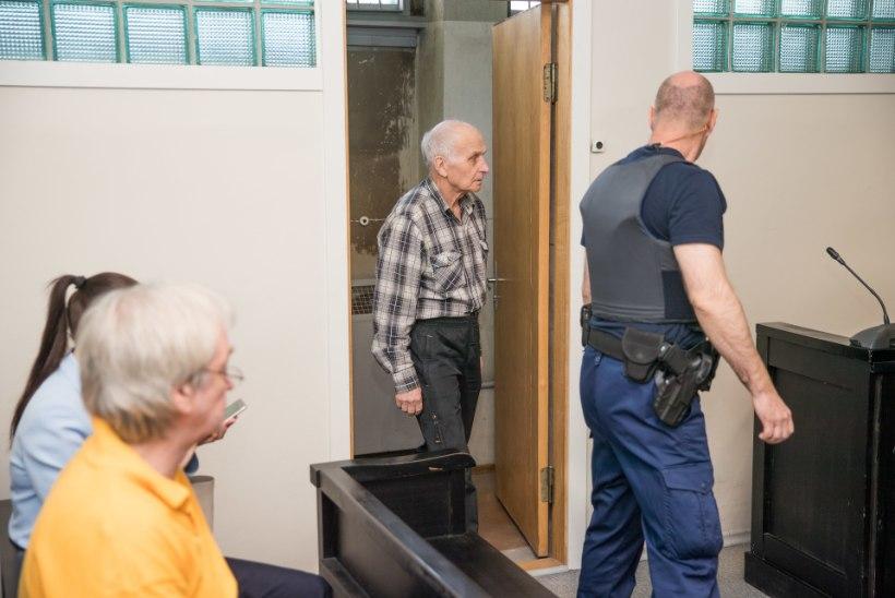 Meetrikauguselt turvamehi tulistanud eakas mees eitab kurja kavatsust