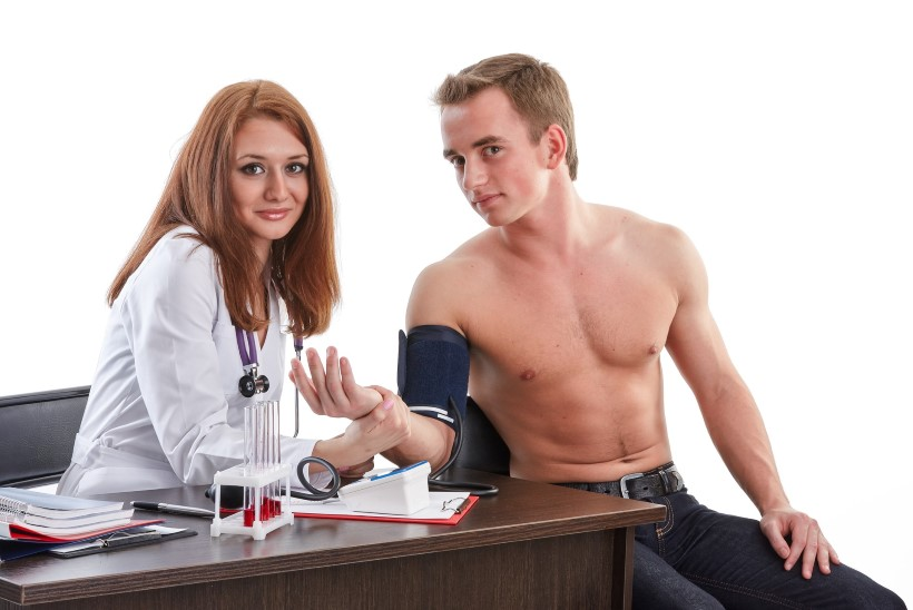 Apteeker: vererõhku tuleb mõõta ka noortel inimestel