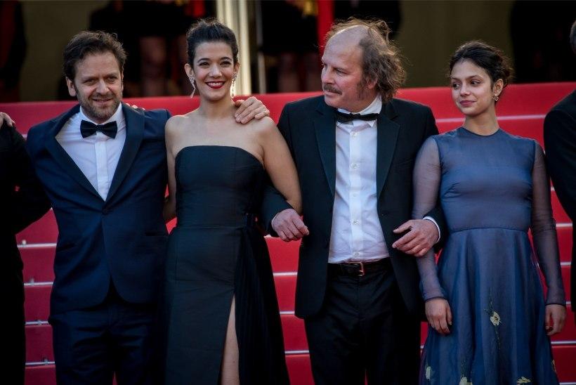 GALERII | ÕHTULEHT CANNES'IS: Kultuuriminister Indrek Saar poseeris Cannes´i filmifestivalil