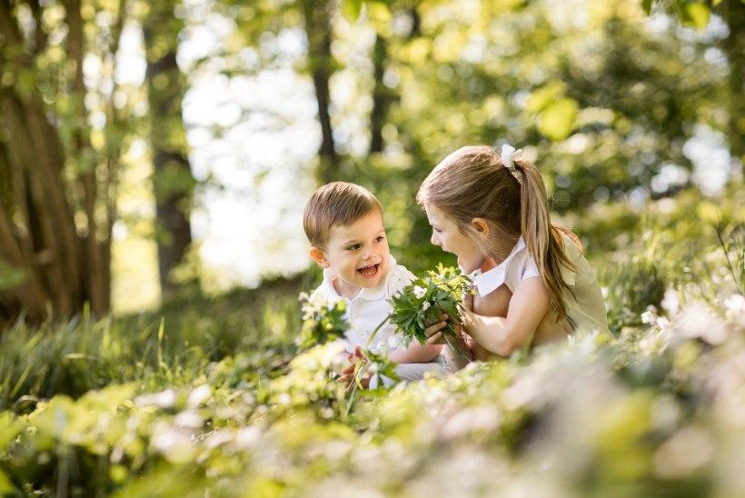 Rootsi õukond avaldas päikselised fotod kroonprintsessi lastest