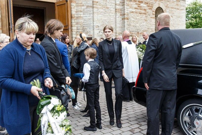 GALERII | Kaarli kirikust saadeti viimasele teekonnale ettevõtja Cardo Remmel