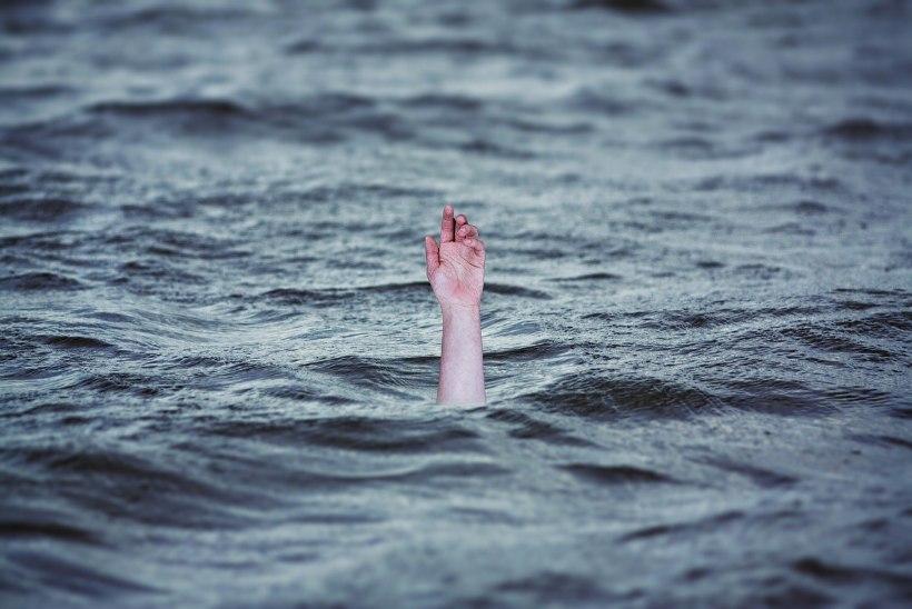Eesti uppujate pingerida juhivad vanemad inimesed, kes kukuvad vette