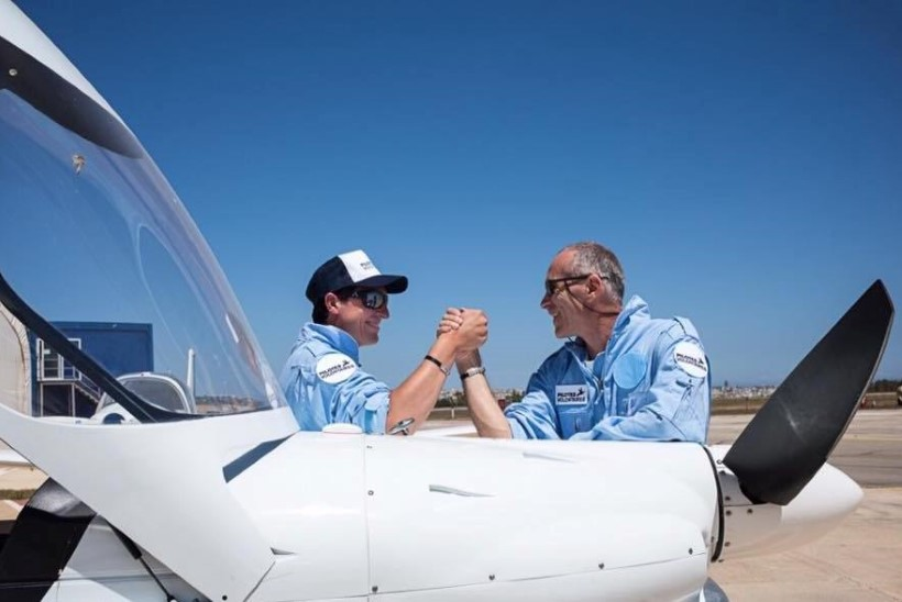 Kaks pilooti ostsid isiklike säästude eest lennuki, et aidata merehätta sattunud migrante