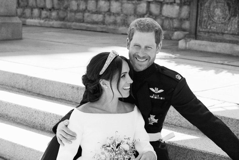 IMEKAUNIS! Kuningakoda avaldas noorpaari ametlikud pulmafotod