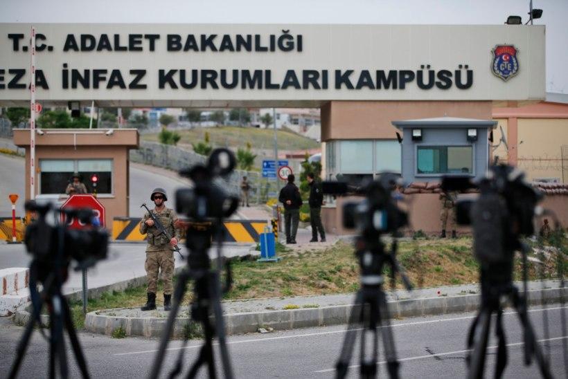 Türgis mõisteti eluks ajaks vangi 104 riigipöörde katses osalenud sõjaväelast