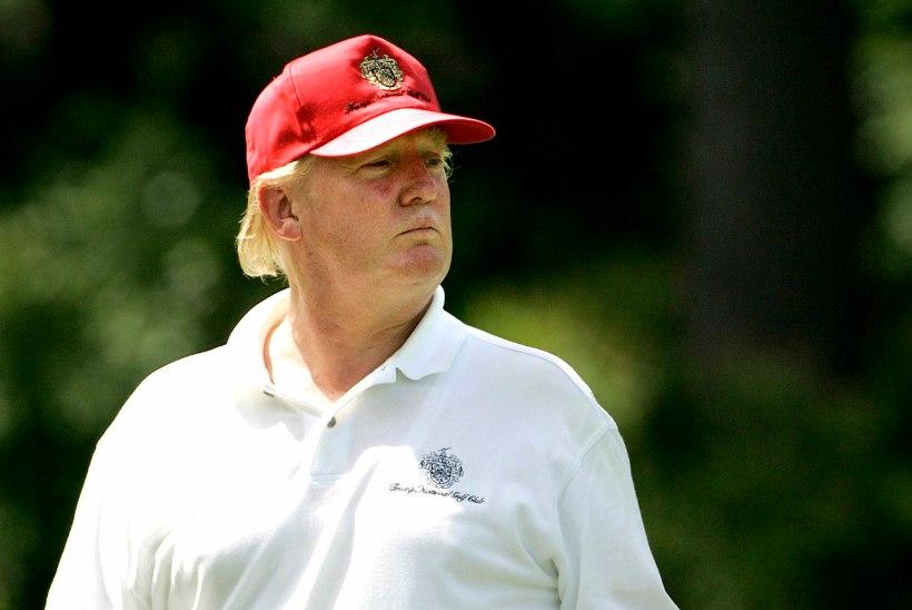 Trump võib Inglismaale kauemaks jääda, kuna tahab seal ka golfi mängida
