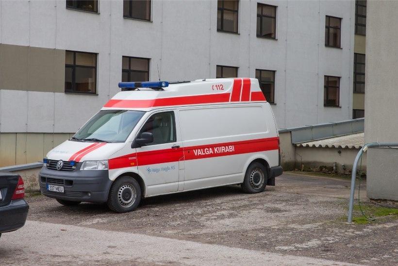 Karm: möödunud ööpäeval vajas 18 inimest liiklusõnnetuse tõttu haiglaravi