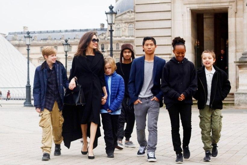 Angelina Jolie ei tohi koos lastega Ühendriikidest lahkuda