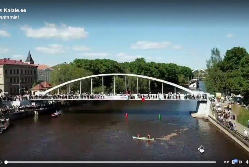 Galerii ja droonivideo: Emajõe kett ulatus Võidu sillast Kroonuaia sillani