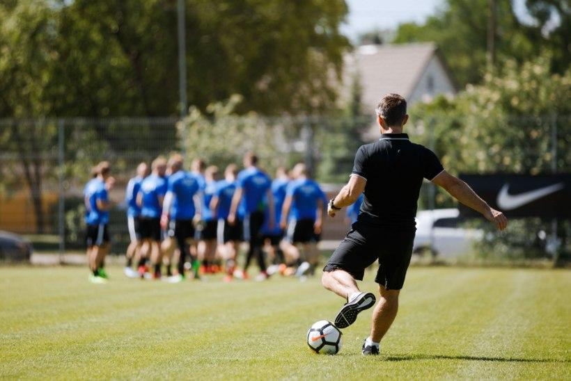 GALERII   Eesti jalgpallikoondis kogunes Balti turniirks