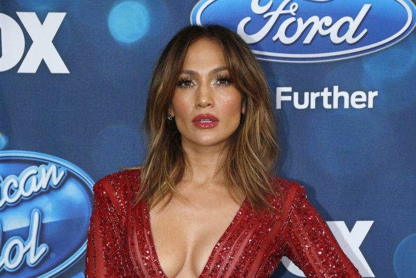 UPS! Jennifer Lopez paljastas kogemata oma trimmivad püksikud