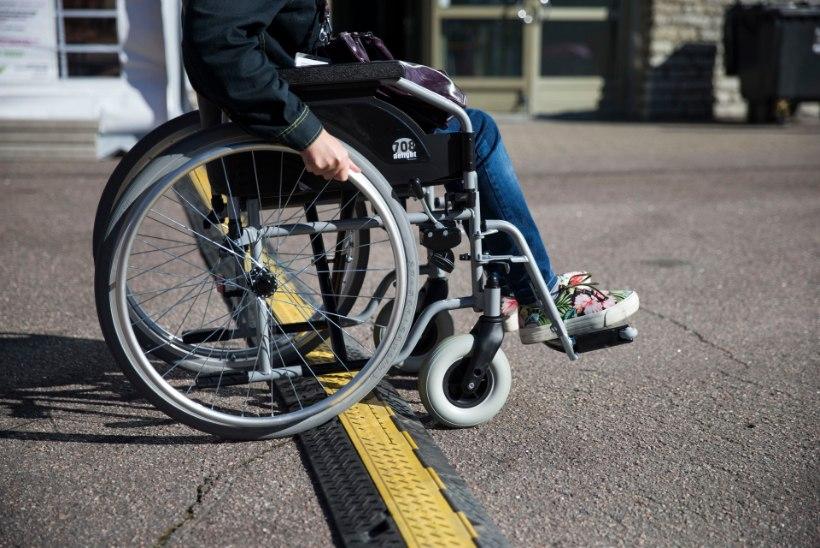 Avalikud ehitised peavad olema ligipääsetavad puuetega inimestele