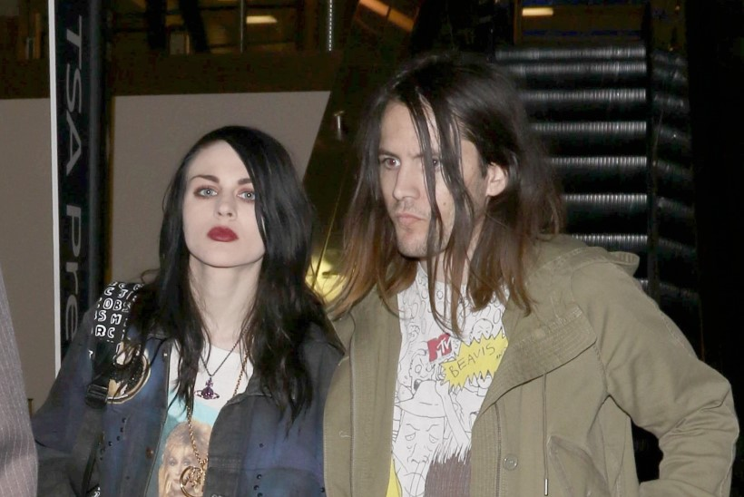 Frances Bean Cobaini eksmees süüdistab eksämma mõrvakatses