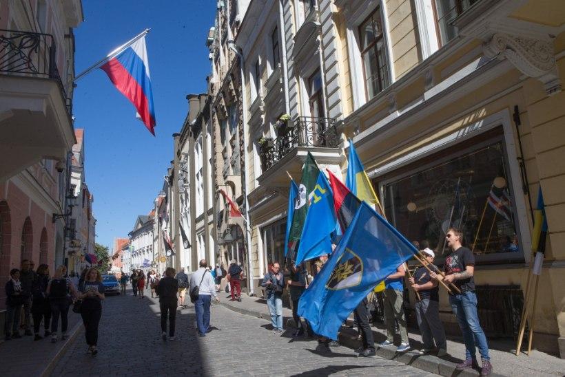 GALERII | Vene saatkonna ees avaldati meelt ukraina poliitvangide vabastamiseks