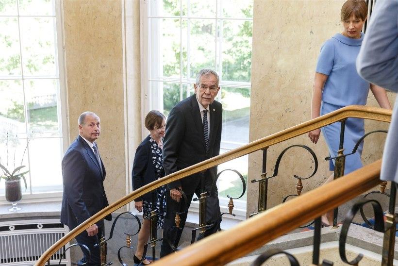 GALERII   Austria president kohtus Kadriorus president Kaljulaidiga