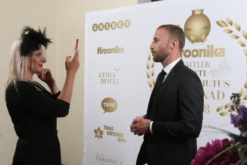 BLOGI JA GALERII   Kroonika meelelahutusauhinnad 2018: vaata, kes võitsid kuldmunad!