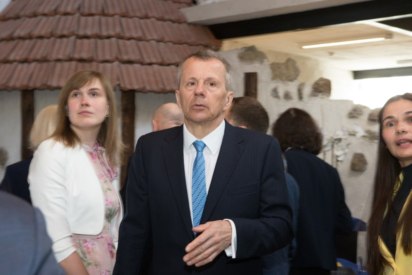 SEGANE LUGU! Minister Andres Anvelt vastutab ametkonna eest, mis uurib tema enda põlvnemist