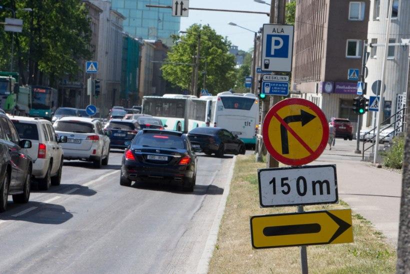 FOTOD   Tallinna kesklinnas on üleval segadust tekitavad liiklusmärgid
