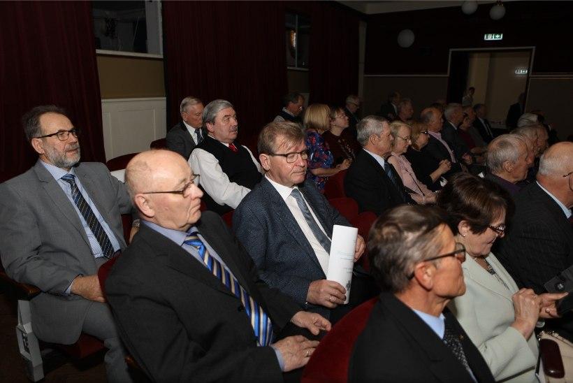 GALERII   Tartus peetakse Arnold Rüütli 90. sünnipäevale pühendatud konverentsi