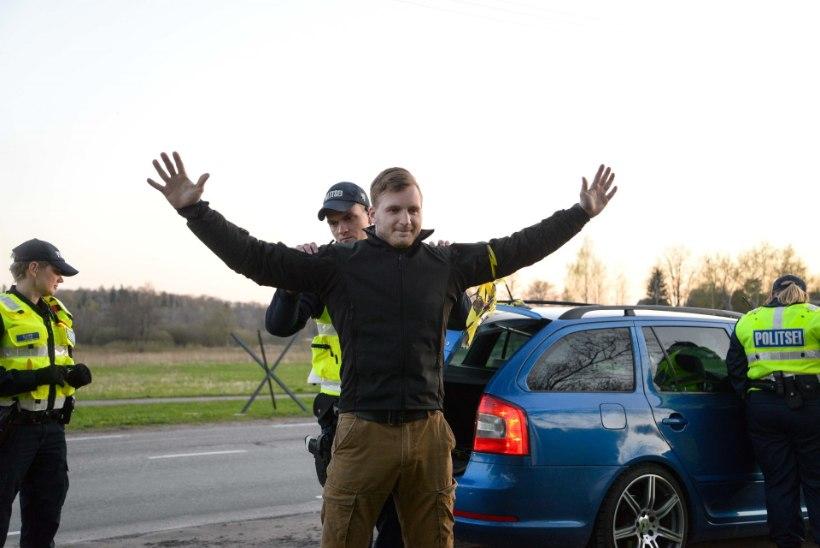 VIDEO JA GALERII | Politsei ja kaitsevägi kontrollisid Viljandi piiril autosid