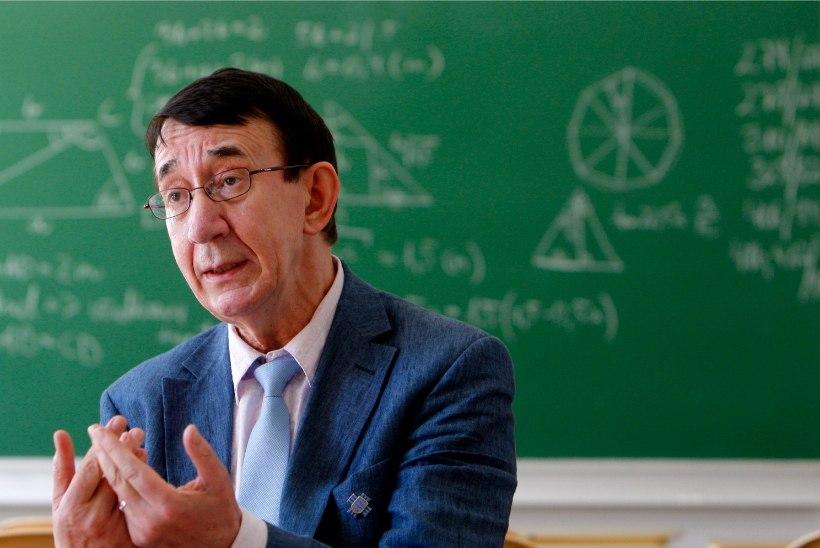Kauaaegne koolidirektor Lauri Leesi läheb pensionile