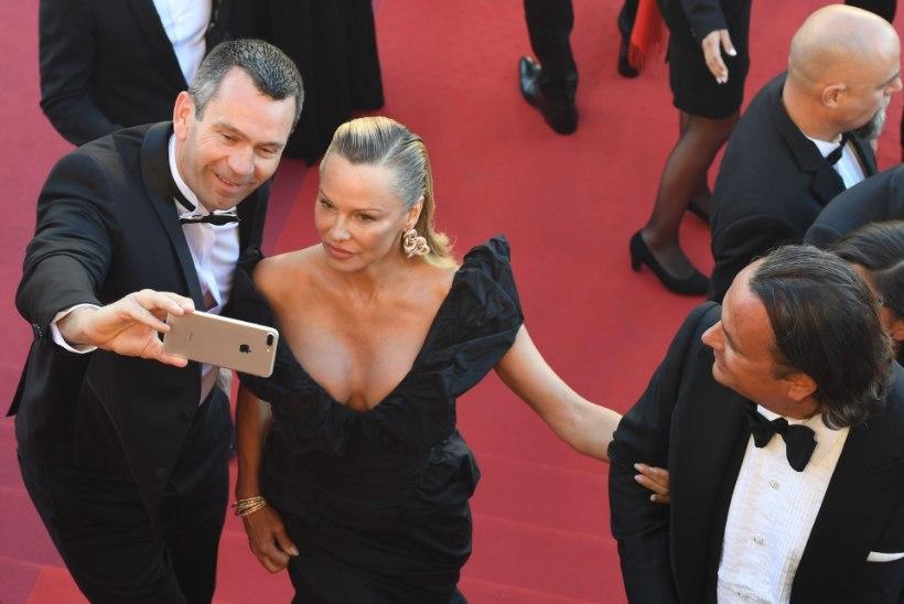 Cannes'i festival keelustab selfide klõpsimise