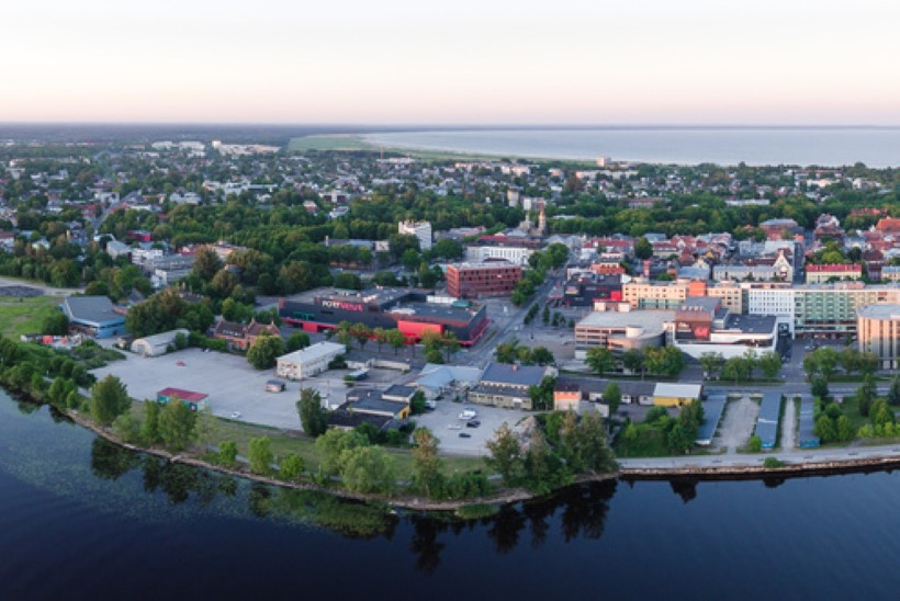 FOTOVAATLUS | Päikeseratta hommikusirutus Eestimaa kohal