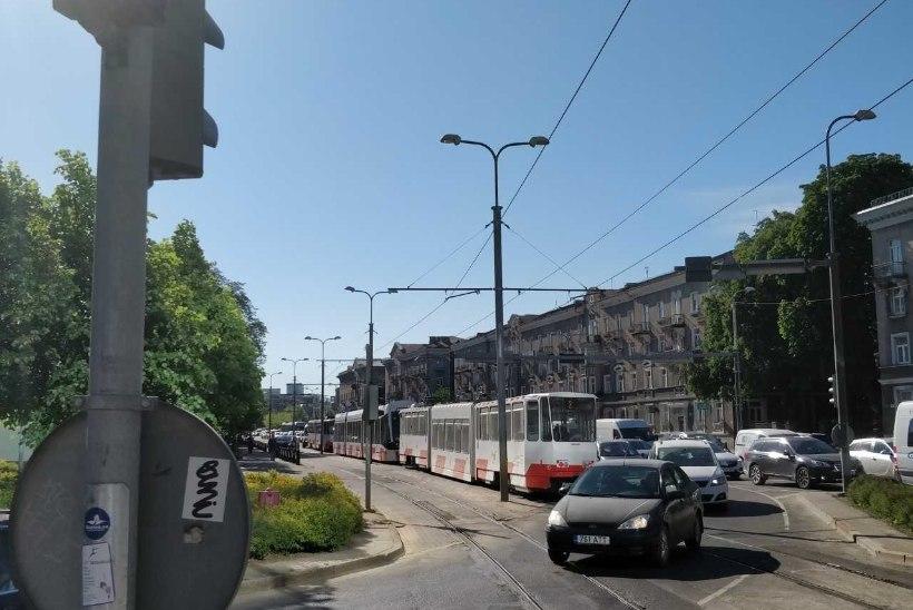 VIDEO | Reedeõhtune ummik Tallinna kesklinnas