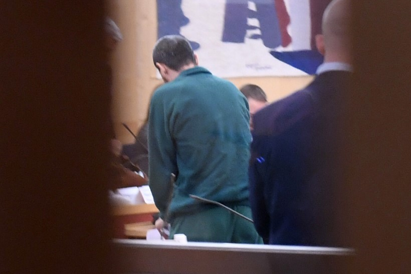 Kus hakkab eluaegset karistust kandma Stockholmi terrorist Rahmat Akilov?