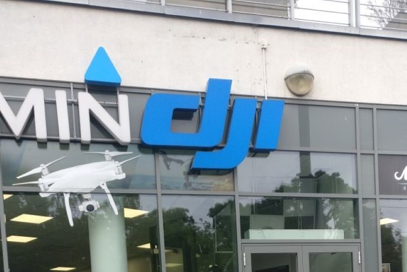 FOTOD   Tallinna kesklinna elektroonikapoodi murti öösel sisse