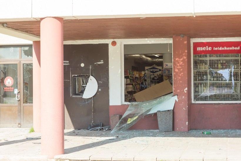Aravetel sularahaautomaadi õhku lasknud röövlid on endiselt tabamata
