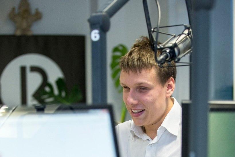 VIDEO | Raadio 2 otse-eetris luges uudiseid pime saatejuht