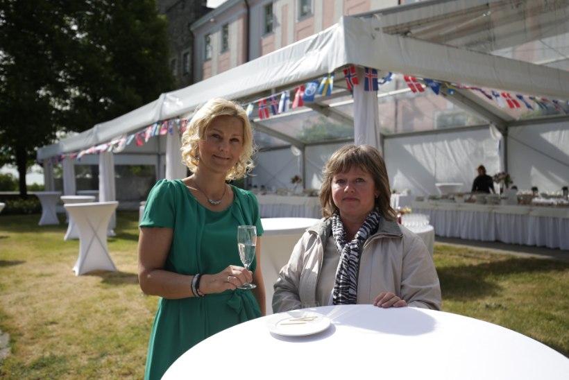 GALERII | Põhjamaad tähistavad rahvuspühi Kuberneri aias suurejoonelise suvepeoga