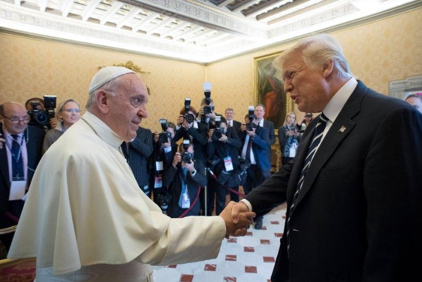 Paavst mõistis Trumpi migratsioonipoliitika hukka