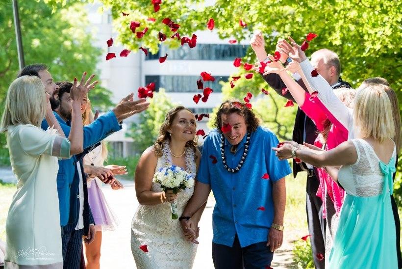 Elukunstnikust eestlanna: võib-olla meie, eesti naiste, roll ongi jätkata innovatiivset, rahvusvahelist armastust…