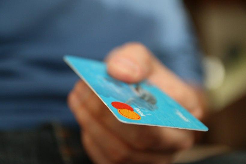 ÜLIM JULTUMUS: pätt üritas eine eest tasuda ettekandjalt varastatud krediitkaardiga
