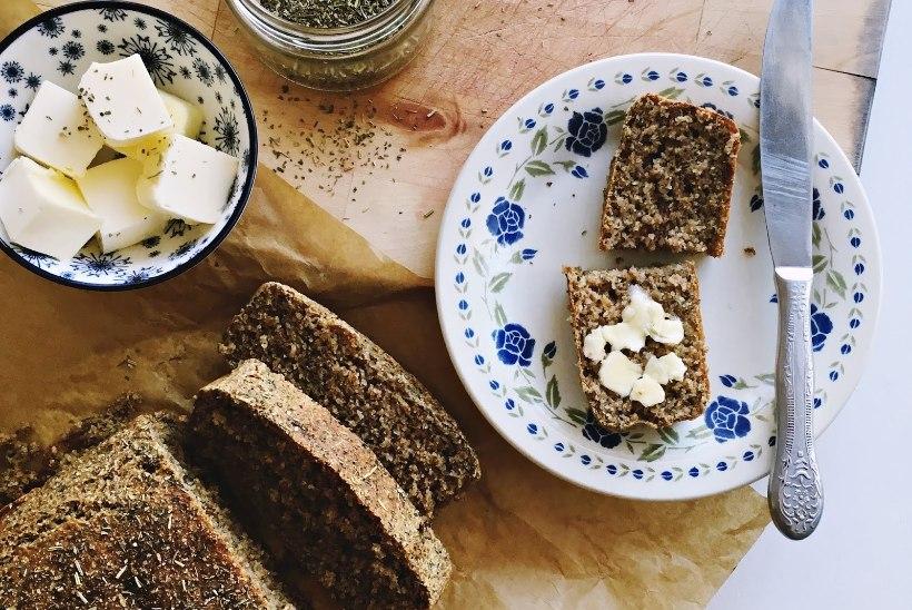 Mõnus vaheldus leivale: rukkikarask ürtide ja chia-seemnetega