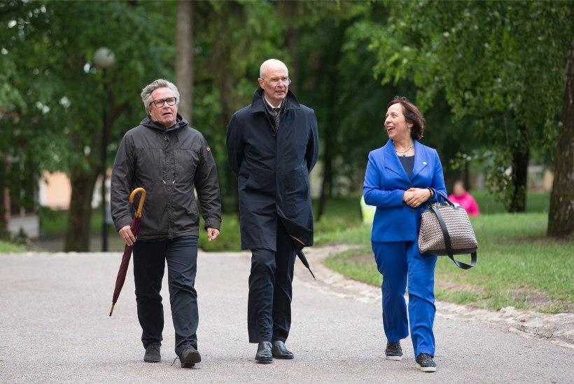 FOTOD | Kersti Kaljulaid kutsus kolleegid Toomemäele õhtusöögile