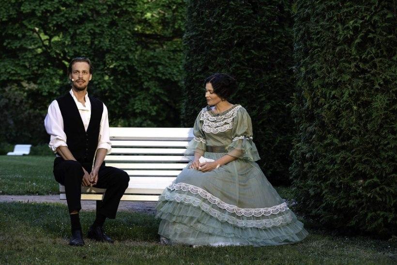"""Karl Robert Saaremäe: """"Naispartnerisse armumine ja temas pettumine on näitleja igapäevane töö."""""""