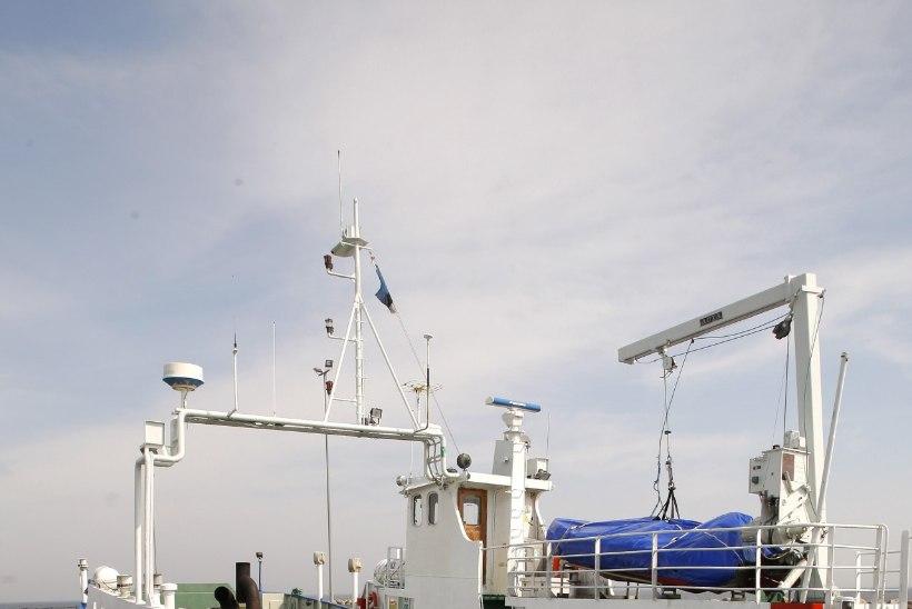 Laev remondis: Ruhnule saab järgmisel kolmel nädalal vaid läbi Saaremaa