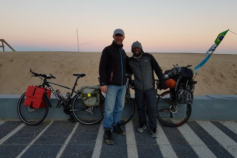 FOTOD | Uhhuuduurlased veetsid jaanipäeva eksootilisel Uruguai rannikul