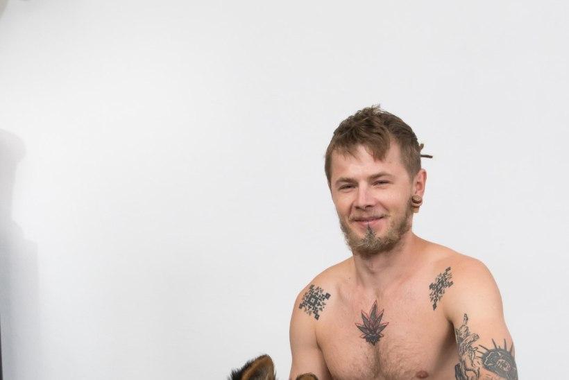 Eesti parim tattoo-kunstnik: vikatimees ühel ja madu teisel küljel – sekka rahvuslik muster