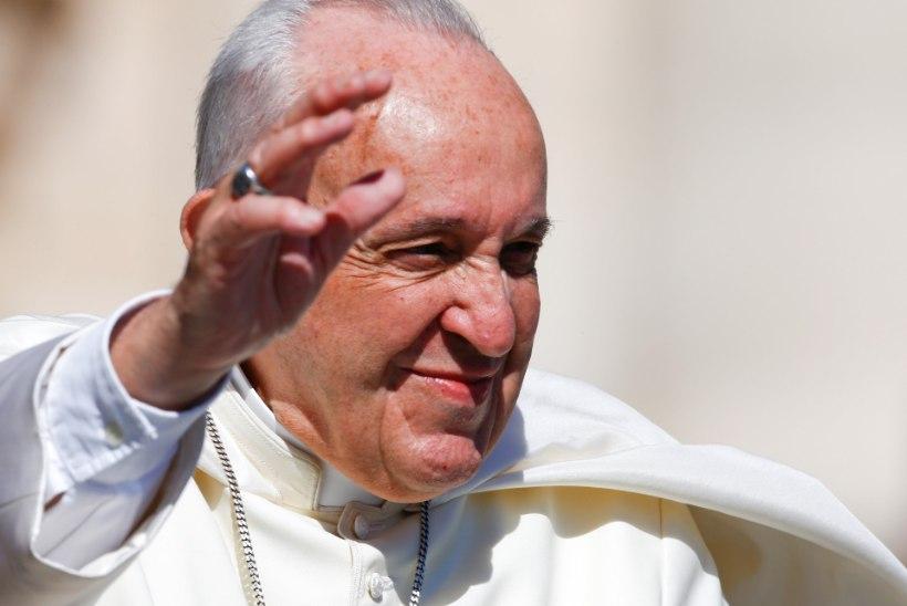 Lätlased saavad paavsti visiidi puhul vaba päeva
